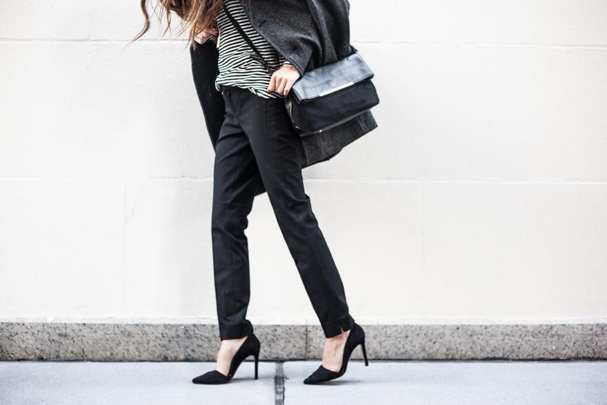 Following @something_navy's black-heeled lead this weekend. #thenewBR http://t.co/6PiDVJxL1d http://t.co/kZAfRd05HT