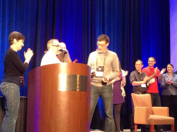 Ladies and gents your #heweb14 best in conference winner: @DaveCameron #mpd9 #mpd #represent http://t.co/U0Yj8xZfo6