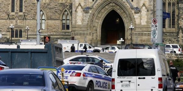 Soldier confirmed dead after National War Memorial shooting in #Ottawa