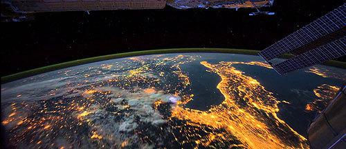 Insane Time-Lapse Video of Earth From Space http://t.co/S5OYWGnppO http://t.co/qi88t8v9kQ