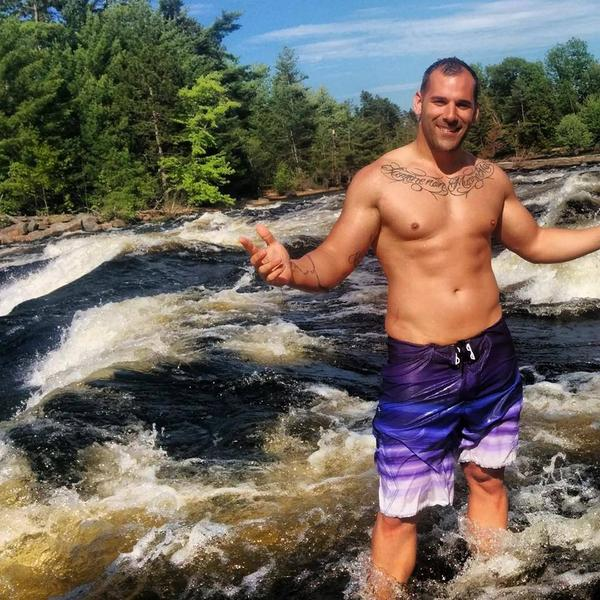 What we know about Nathan Cirillo: Fitness buff. Sherwood Grad. Father to a young son. #OttawaShooting http://t.co/gO0ZsrHgSK
