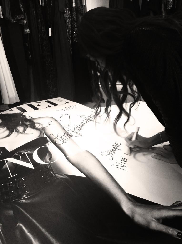 RT @lofficielmexico: @ElisaSednaoui develando nuestra portada de Noviembre en @palaciohierro http://t.co/QJIoZfnfmq