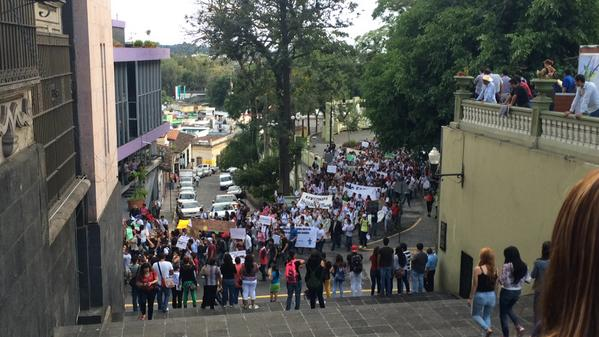 """@VicHonorio: #Xalapa en apoyando a #Ayotzinapa http://t.co/9xK7H71ZjJ"" / @epigmenioibarra"