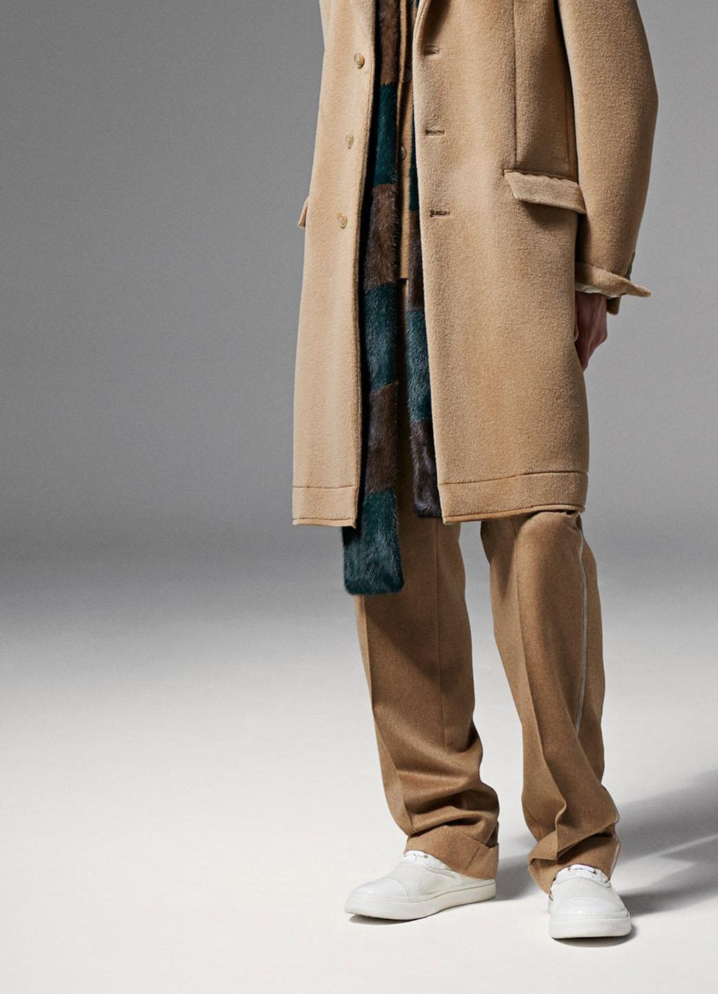 Coat check - stay warm out there: http://t.co/6QwaxRBJWa http://t.co/M1uQpFMIxx