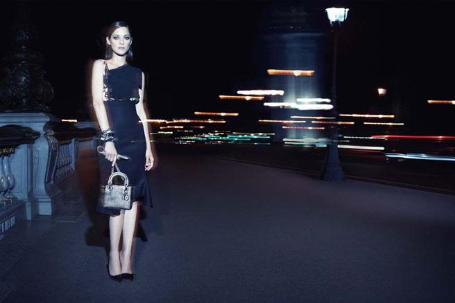 Marion Cotillard lights up Paris for Lady Dior: http://t.co/U0St0npcEm http://t.co/DwskUXfS3r