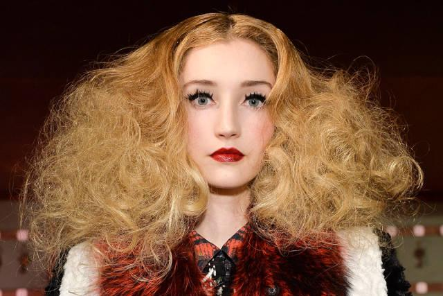 23 #Halloween makeup looks to steal from the fall runways: http://t.co/U8zC0AIzKN http://t.co/lSh1j3NprC