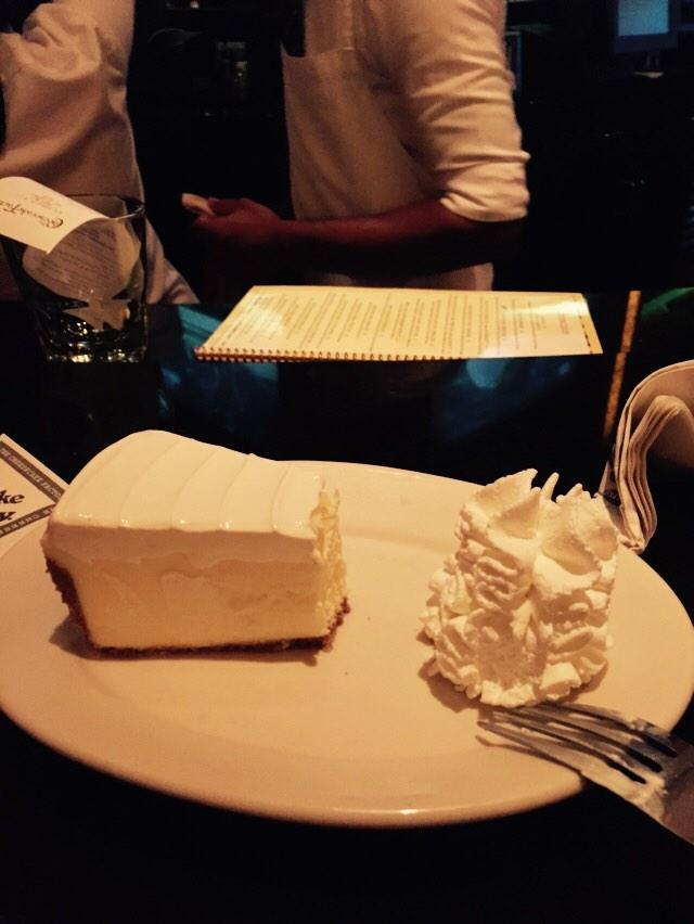 Last meal in dubai... @GarchyBoy favourite... Cheesecake Factory!!!! http://t.co/uxMbrfni7z