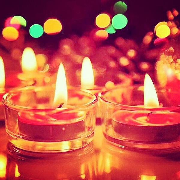 Happy #Diwali to all who're celebrating! http://t.co/aa711t1Igl