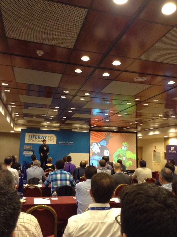 @AlbertusMetal: Liferay Symposium #LRESP2014 es grande, por que todos hablamos el mismo idioma #WeAreAllFreaks http://t.co/ZejkJEGiaX