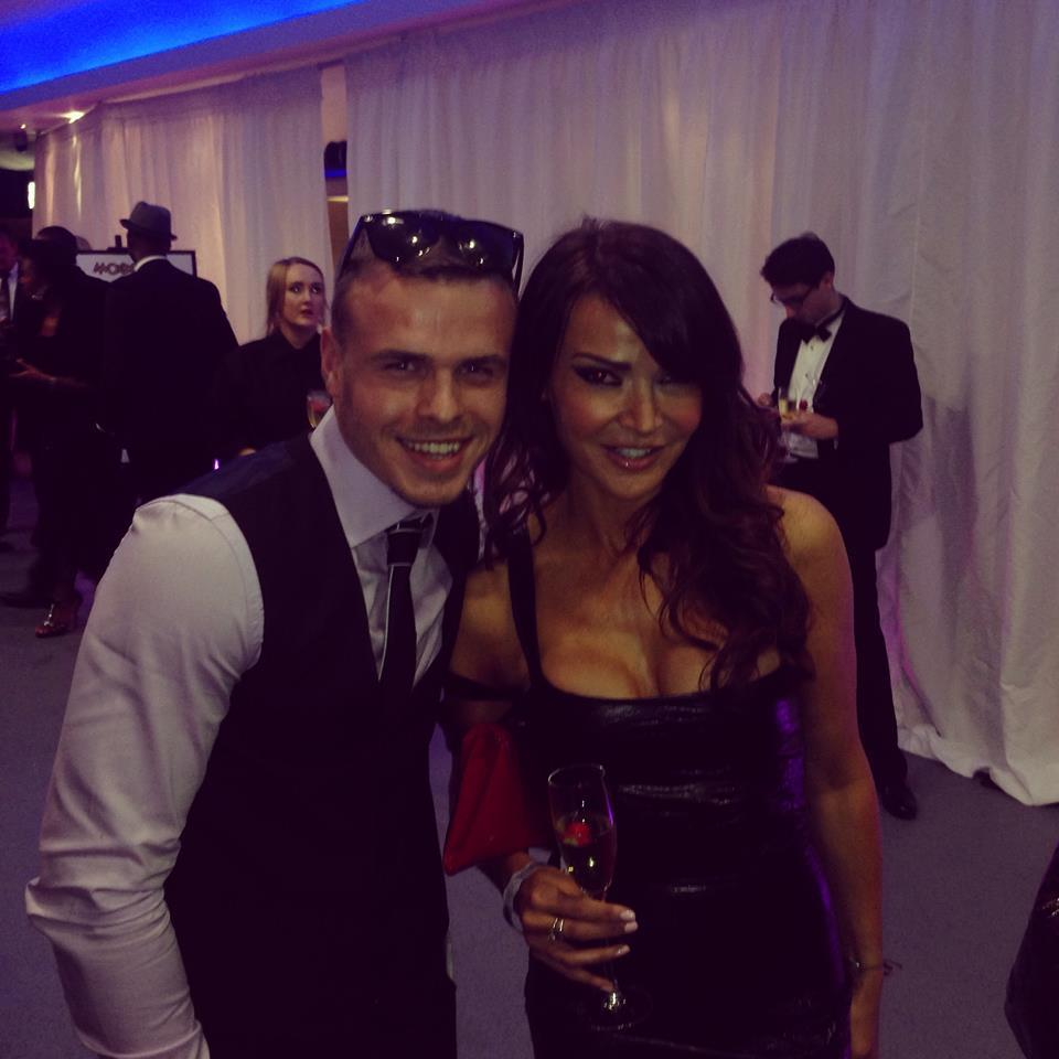 RT @boxinggabc: me and the beautiful @lizziecundy http://t.co/ic0LgNeY8K