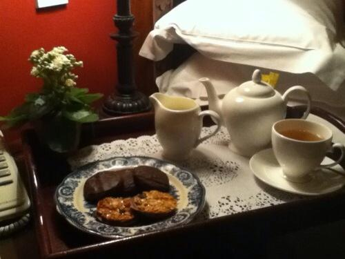 """Tea to the English is really a picnic indoors.""  -Alice Walker http://t.co/Ee6Vb0TZ8w"
