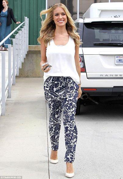#KristenCavallari rocking printed trousers. Find similar @ a fraction of the cost! > http://t.co/jjiCbJeRER http://t.co/qXn0IGCsTJ