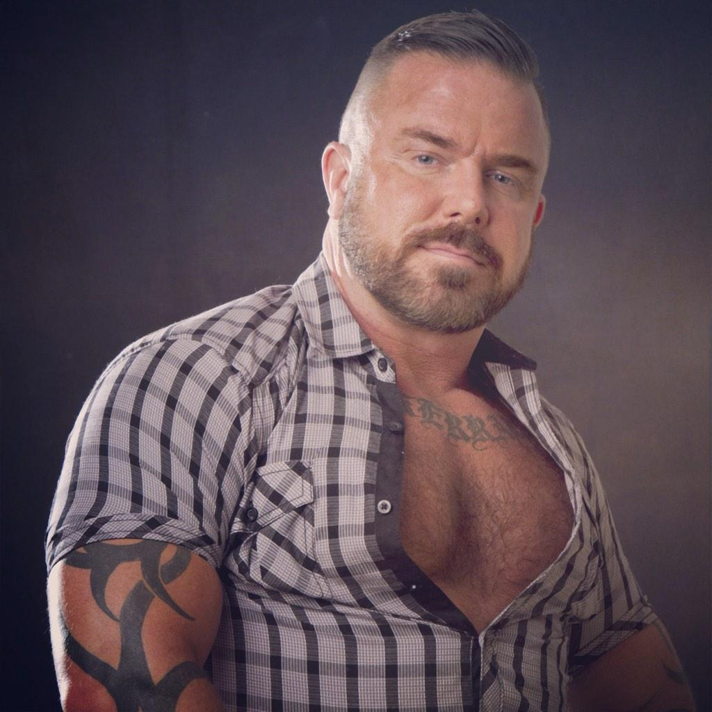 "How To Remove Ink From Leather >> Pete Finland on Twitter: ""#MuscleBear #Bear #Muscle #Barber #Daddy #Leather #BarberPete #Ink # ..."