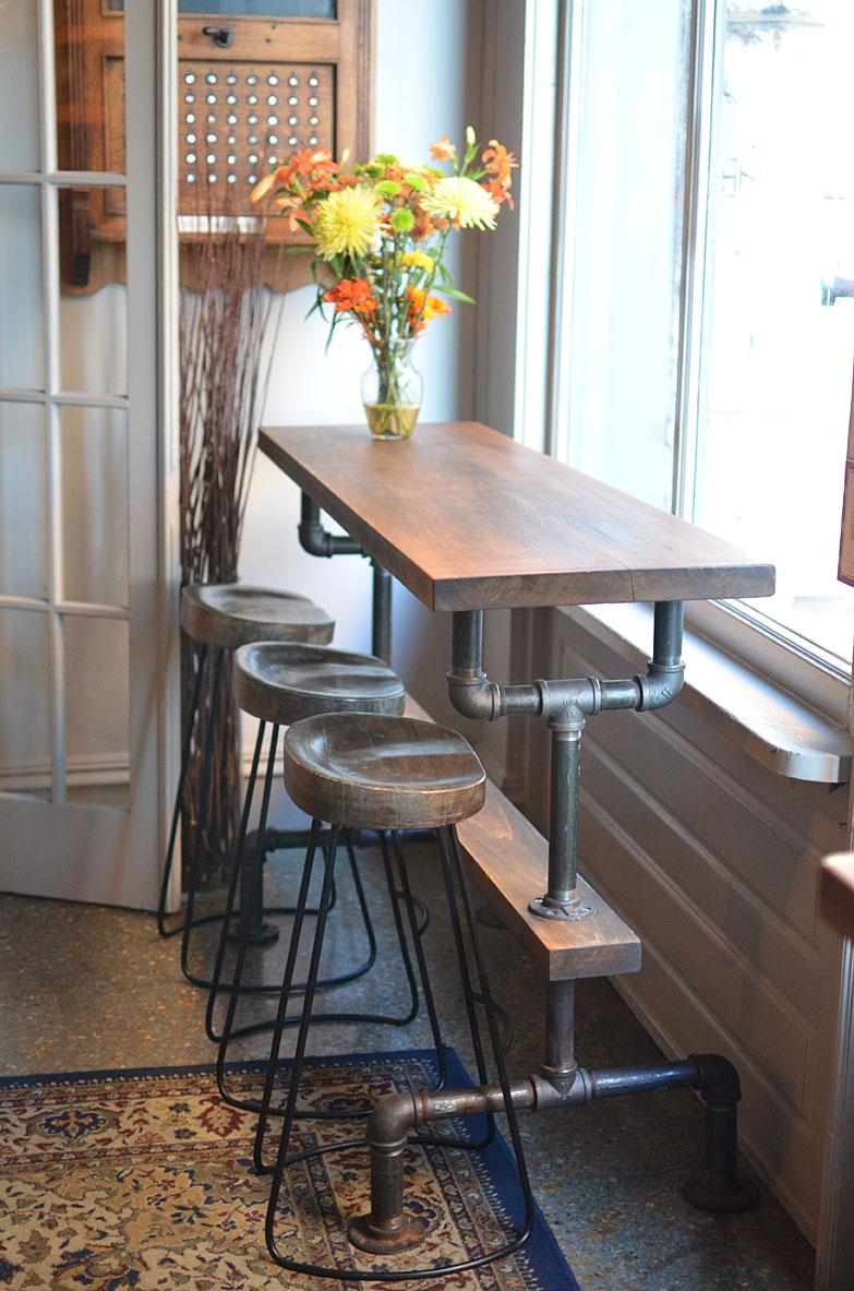 industrial farmhouse on twitter this pub table at terramaebistro looks great in a restaurant. Black Bedroom Furniture Sets. Home Design Ideas