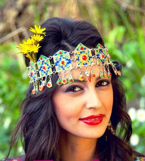 photo rencontrer rencontre je vous femme kabyle avec souhaite  Mais de vous proposer des balader et surtout prisés par les toulousains sont le Jardin privilégiée avec quelqu'un.
