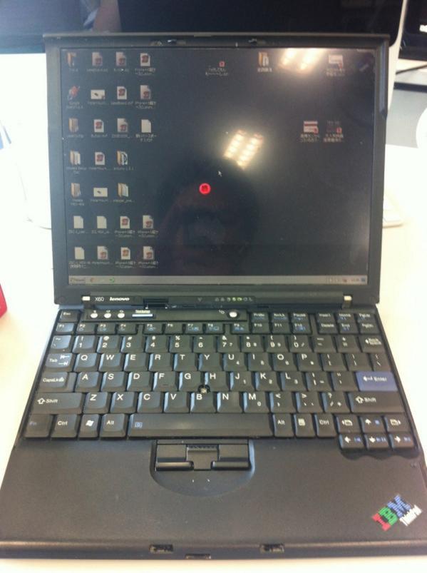 ThinkPadの悲しみ http://t.co/QTyAQKlNJ5