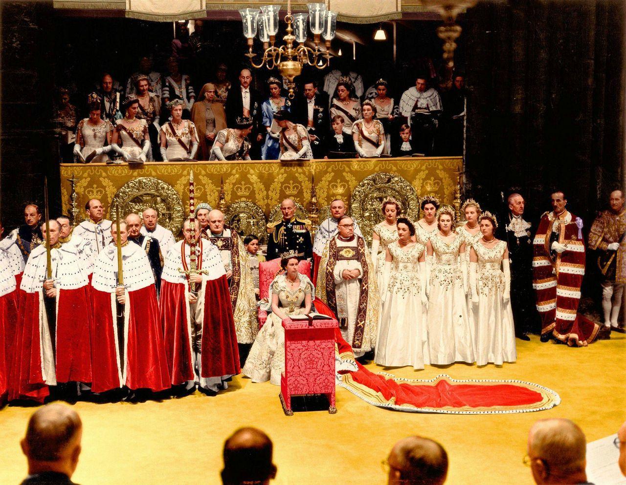 Картинки по запросу królowa elżbieta ii koronacja