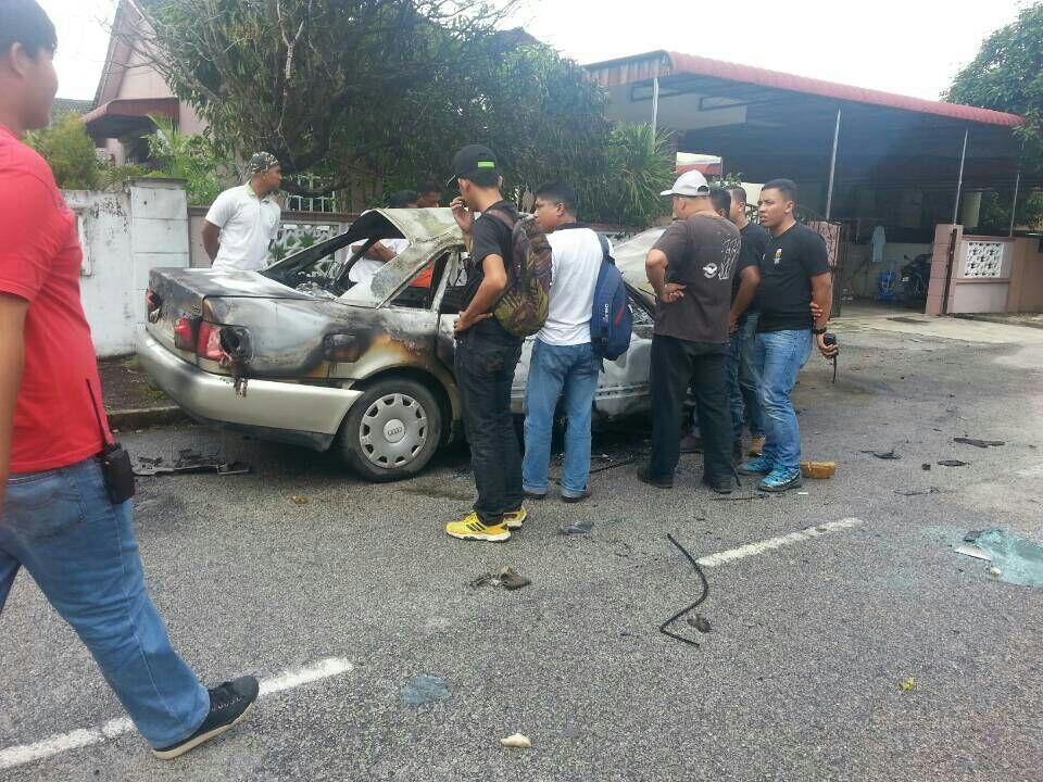 KEBAKARAN KERETA di Tmn Seri Gelugor, Pulau Pinang 2.31 petang tadi. Tiada  kecederaan dilaporkan #BOMBA