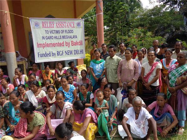 Just in. On-ground relief distribution photos from our partner Bakdil in Meghalaya #NEFloodRelief. 9/n http://t.co/Y9JGke1j3q