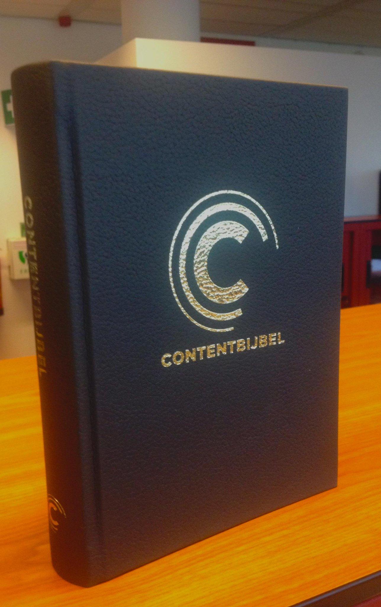 Hij is er. De #contentbijbel. 1/3 van 1e druk al verkocht! Profiteer van  introductiekorting:http://t.co/hpLE5pofTv http://t.co/f6DTiy9mnp