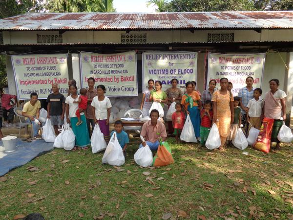 Just in. On-ground relief distribution photos from our partner Bakdil in Meghalaya #NEFloodRelief. 2/n http://t.co/fUiIVVV7VU