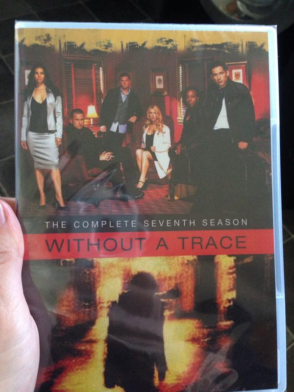waited years for this! the collections complete now! @anthonylapaglia @EricRClose @poppymontgomery @enriquetwiter http://t.co/MA0p4JkMk0