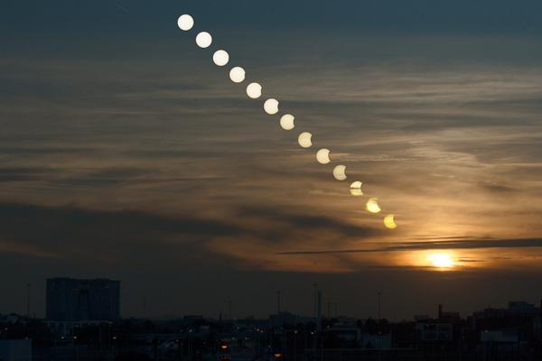 13 Spectacular Photos of The Partial Solar Eclipse