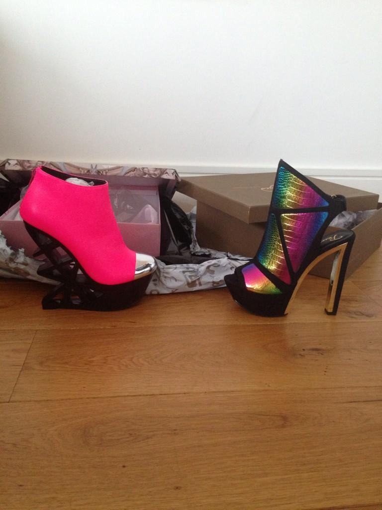 1tim for my @schuh Fam!!! Always hooking me up with wildest schuhs😘😘💎 http://t.co/Jpat0t8Rmp
