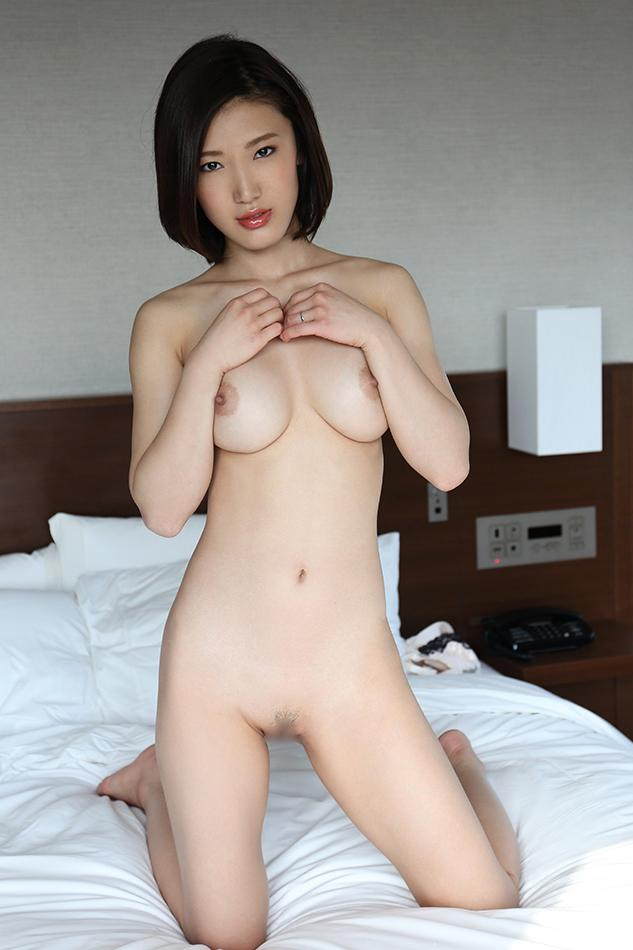 nude shaved pussy gogo girl