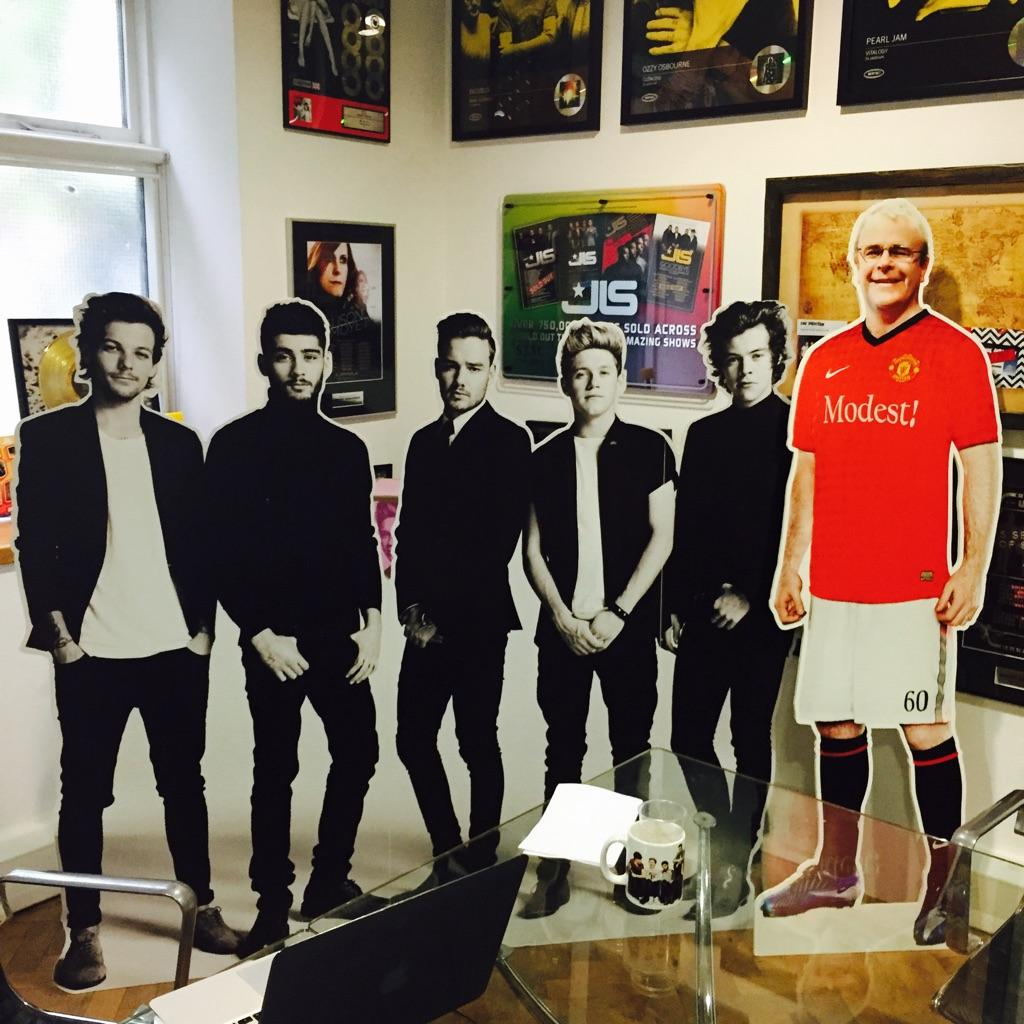 Love the new member of @onedirection 😂 Richard Griffiths @ModestMgmt this is genius http://t.co/phyqdZFKkk