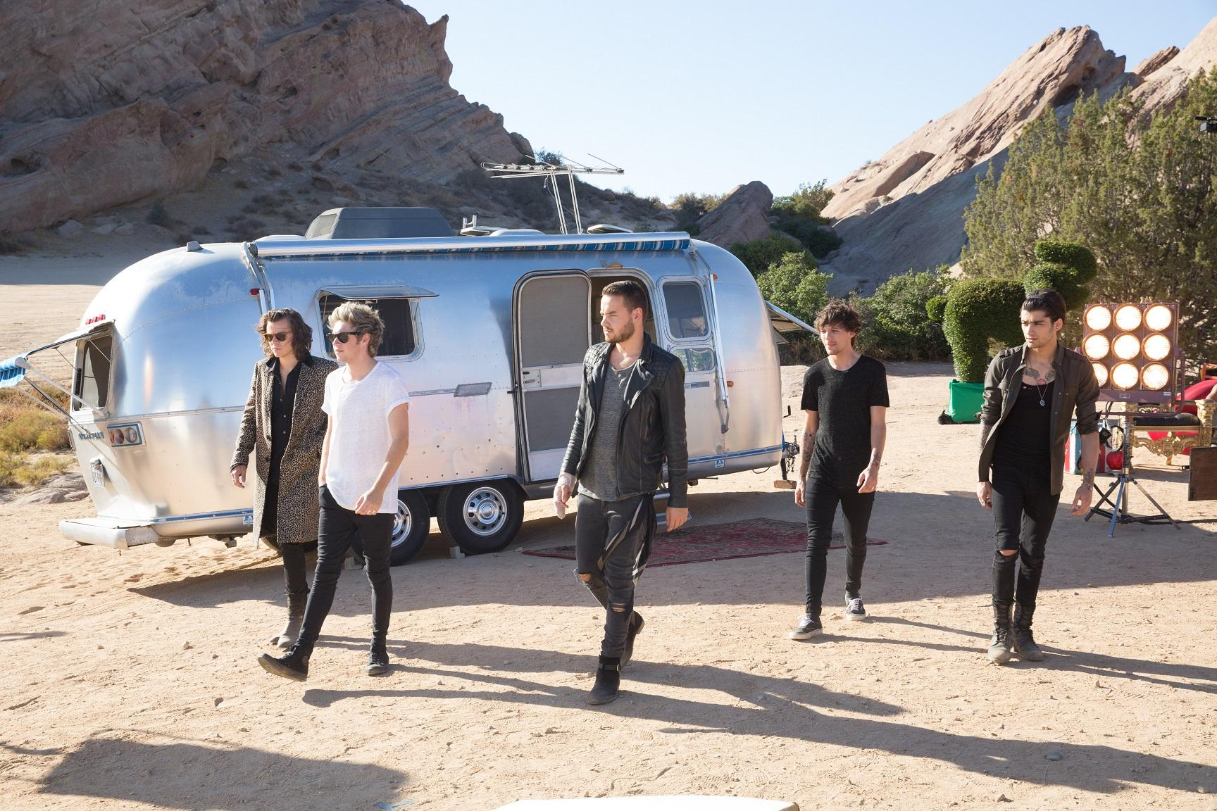 24 hours is up. You guys are incredible. Now we've gotta wait for those official figures #StealMyGirlVEVORecord http://t.co/l08sGdhiYm