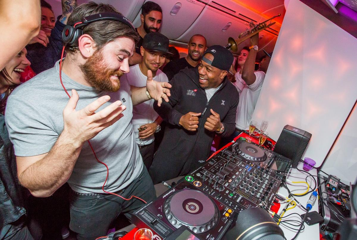 .@VirginAtlantic's #Dreamliner hits the sky with one incredible party featuring @rudimentaluk http://t.co/Ws119w6fRB http://t.co/oAmJeCBijY