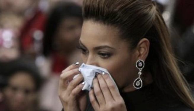 We will not get a cold, we will NOT get a cold…http://t.co/x6PTSKqcnz http://t.co/ILzYXZL6Ck