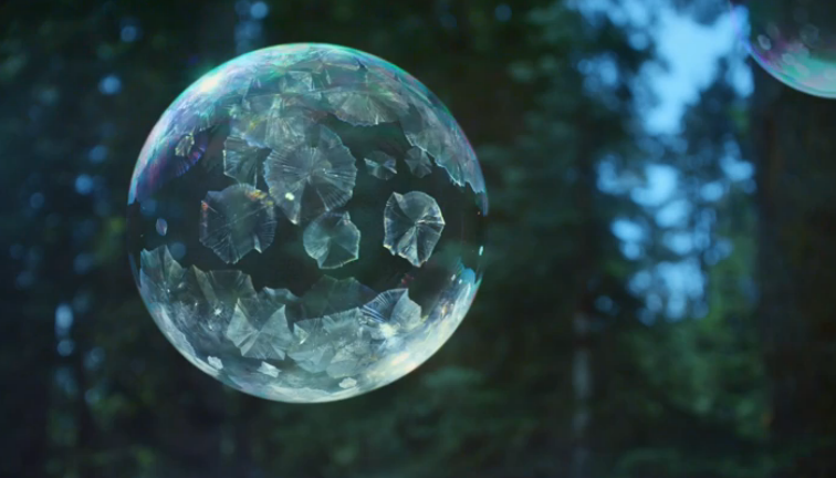 Strangely beautiful: watch bubbles freeze in high def in this spot for Sony's 4K TVs http://t.co/yAoibMilsD http://t.co/XlJupb0qRh