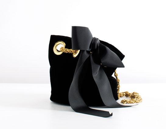 Le sac du week-end : la sac smoking de Delphine Delafon http://t.co/JWyTMNiHrA http://t.co/EQTBh9cNH9