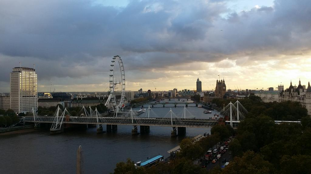 And this is looking in the opposite direction xxx http://t.co/XgVIQc17Vi graduation. Just love that sky http://t.co/AI7lDLJIaC