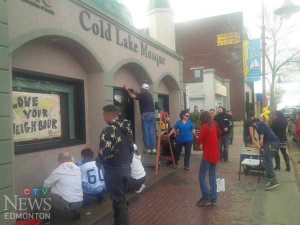 UPDATE: Cold Lake residents work together to clean up vandalized mosque: http://t.co/QZmGAxD0nX #yeg http://t.co/bHQoHLvyTR