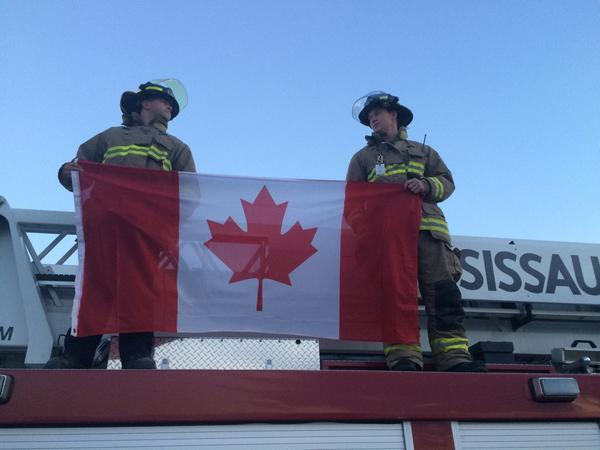 Waiting for a hero #CanadaStrong #highwayofheroes http://t.co/Av5fgTIxBj