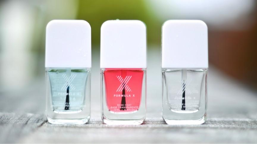 How to get the glossiest nails... ever. http://t.co/AQ0D8Qyi0t #nails #manicure http://t.co/jJtxsFDSj5