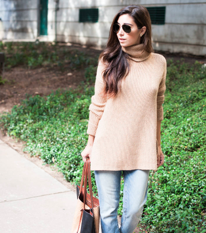 Try the turtleneck trend for fall: http://t.co/p33NPX67eN http://t.co/cAVx58hbtx