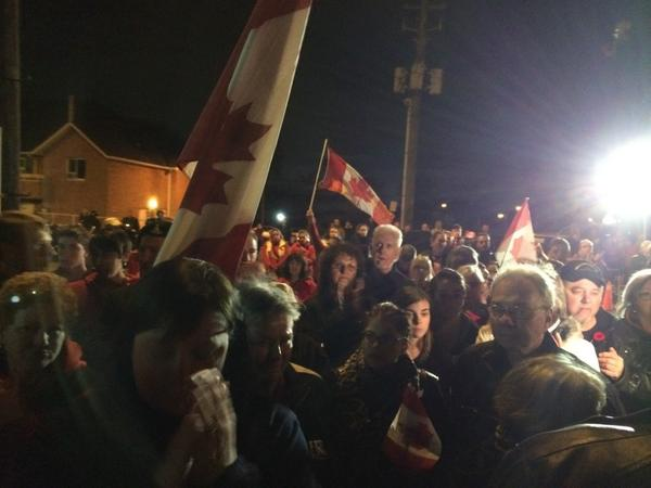 "Tears and one last rendition of ""O Canada"" #highwayofheroes #CplNathanCirillo http://t.co/QlAKxcEP3X"