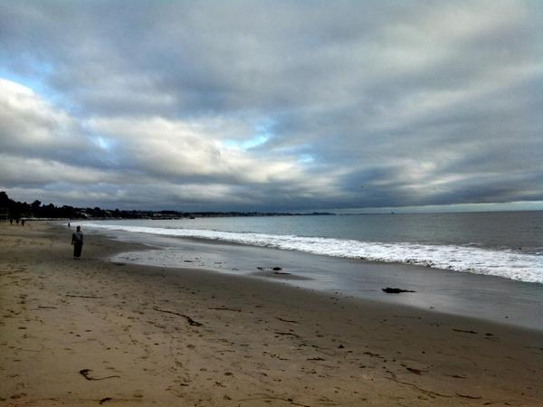 It's foggy here in Santa Cruz, I almost didn't go to the beach. Check out the blue sky that appeared http://t.co/pt9ilyKLMa