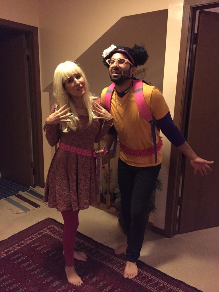 RT @ShazAlavi: My brother and sis in law halloween costume this year. Eeww! @iamwill @jimmyfallon #saraandmar.i.am http://t.co/fTHrOcXUzX