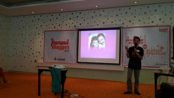 Dan @matriphe menjelaskan bahwa MEME berawal dari sini... *silahkan zoom* #kumpulblogger http://t.co/KCuS7iwtiX