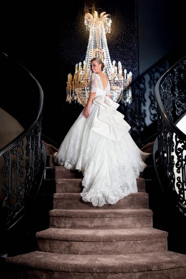 Laura Mcgoldrick On Twitter Thank You Stevenkhalil For My Amazing Wedding Dress Takemeback Bestweddingever Http T Co Bby60bla7s