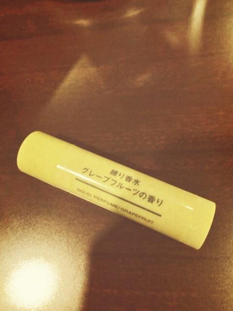 """""""@aichandayon: 無印良品の練り香水2本目リピート! 仕事用。接客業だから、香水嫌いな人もいるかも?って、ここ数年は自分だけが楽しめる 練り香水をつけて、気分転換 ..."""