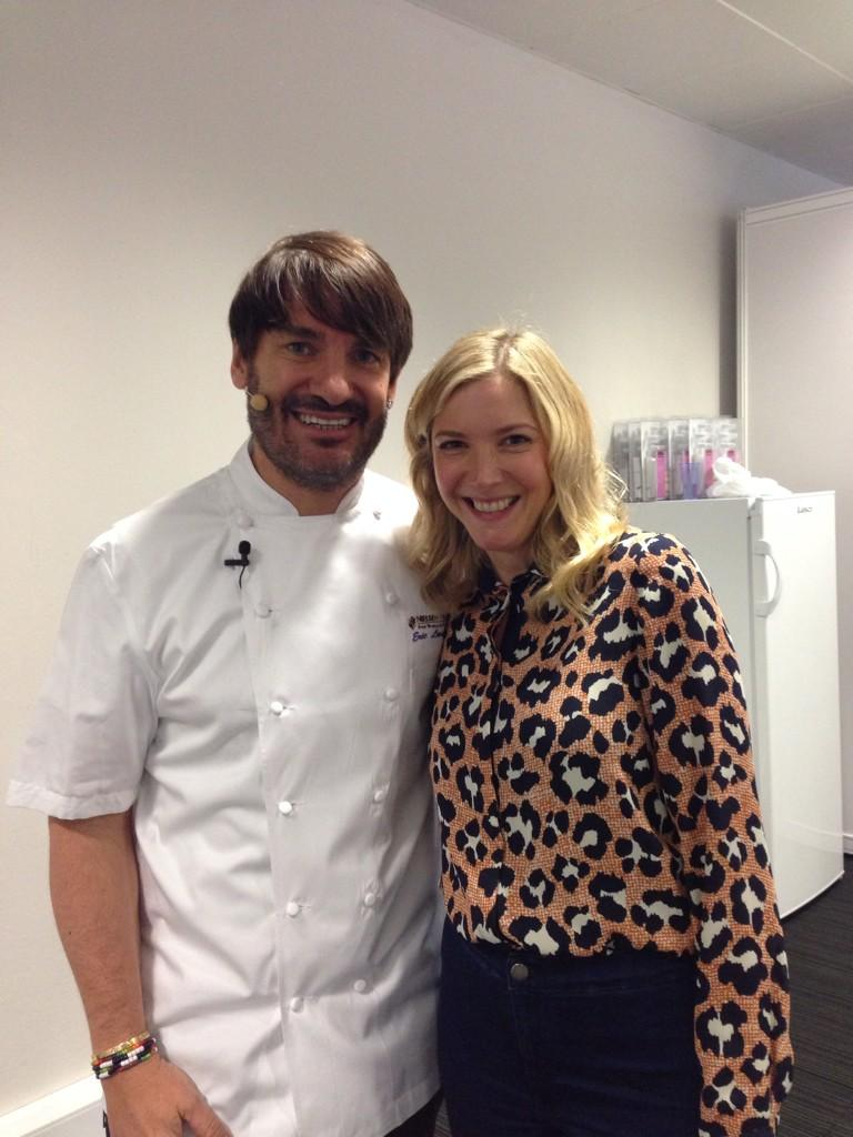 Backstage at @GFBakesAndCakes with @eric_lanlard xx http://t.co/GvW3jkHNgB