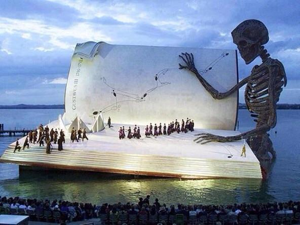 RT @ThamKhaiMeng: ...and all the men and women merely players. RT @RJSzczerba: Spectacular stage at the Bregenz Festival in Austria! http:/…