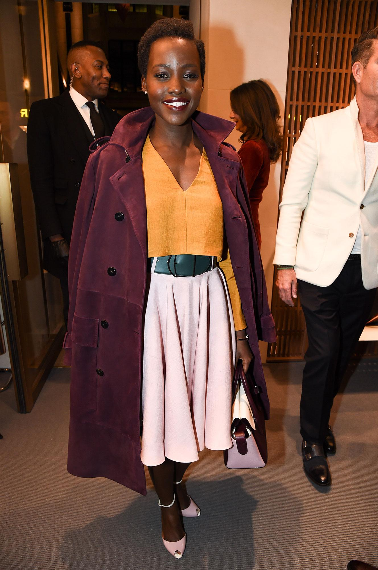 .@Lupita_Nyongo always delivers the perfect combination of ladylike glamour and downtown cool: http://t.co/CvORQA9pmX http://t.co/oNDMyIEFTu
