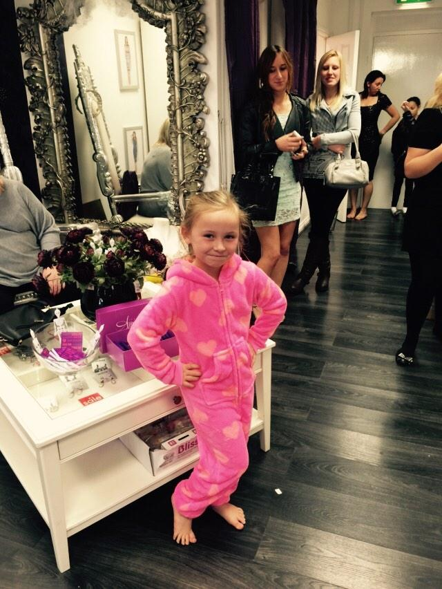 Loving Miley is the Kids range by @AmyCCollection ..... 😙 http://t.co/mMllkxB2Ga